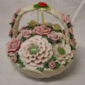 Πορσελάνινο μπουκέτο λουλουδιών σε καλαθάκι
